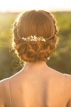Glamorous vintage-inspired gold tiara with pearls | www.indianridgepreserve.com