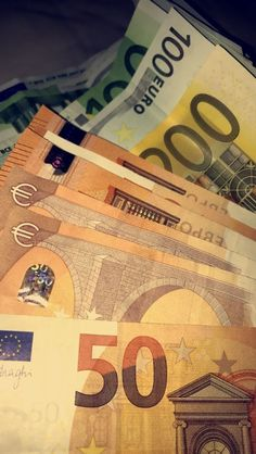 How To Get Money, Make Money Online, Calin Couple, Euro, Whatsapp Text, Notes Online, Money On My Mind, Money Pictures, Money Cant Buy Happiness