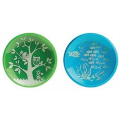 Make mealtime fun with this durable Brinware Dish Set. Featuring 2 colorfully designed tempered glass plates and a silicone sleeve to provide an extra layer of protection and slip-resistant. Microwavable and dishwasher safe. Baby Plates, Kids Plates, Plates And Bowls, Baby Dishes, Kids Dishes, Baby Jars, Baby Bottles, Eco Kids, Green School