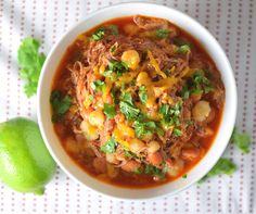 Mexican Posole Soup with Pork. This Mexican Posole soup has tender shredded pork the deep flavor of cumin bright splashes of cilantro and lime and a kick of hot sauce! Bowl Of Soup, Soup And Salad, Easy Dinner Recipes, Great Recipes, Top Recipes, Recipe Ideas, Favorite Recipes, Mexican Posole, Posole Soup