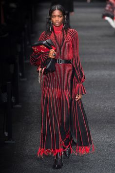 Alexander McQueen Autumn/Winter 2017 Ready to Wear Collection