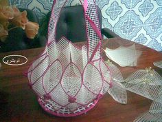 How to Create an Beautiful Basket .    Easy and Beautiful Basket    Home Crafts    http://handmade4all.com/around-the-house/385-how-to-create-an-beautiful-basket.html    http://hm4all.blogspot.com/2013/04/how-to-create-beautiful-basket.html
