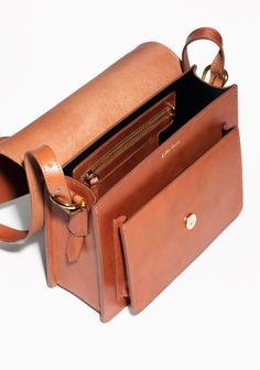 other stories saddle stitch leather shoulder bag Leather Purses, Leather Handbags, Saddle Handbags, Orange Bag, Leather Bags Handmade, Stitching Leather, Leather Projects, Shopper, Leather Accessories