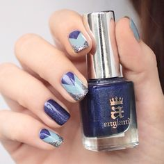 Blue Triangular Nail Art