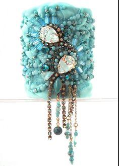 Bracelet manchette textile en soie, ruban métallique, strass, cristal, verre, bleu vert turquoise : Bracelet par kalani