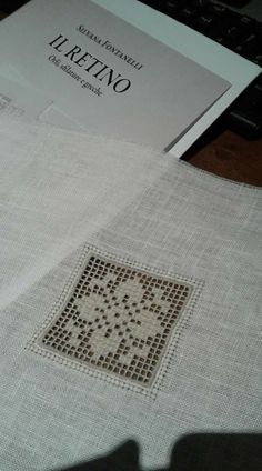 Drawn Thread, Hardanger Embroidery, Needlework, Diy And Crafts, Elba, Beautiful, Towels, Table Toppers, Border Tiles