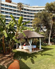 Enjoy a relaxing massage today under a cape reed thatched cabana at Gran Melia Don Pepe in Marbella.  #thatching #thatchedroof #gazebo #cabana #thatchedcabana #thatchedgazebo #hotel #resort  #capereed #exclusiveliving #naturally #granmelia #granmeliahotel #granmeliadonpepe #spain #europe