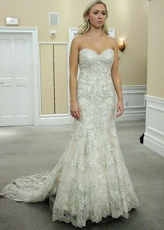 A Kleinfeld dress in a rather traditional style that I actually really love!