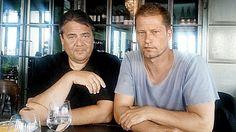 Vize-Kanzler Sigmar Gabriel (55, SPD) traf sich mit Til Schweiger (51) in einem Berliner Szene-Klub.                                                                                                                                                                                 Plus