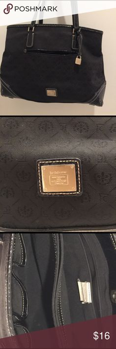 🛍LIZ CLAIBORNE HANDBAG Very nice Liz Claiborne Handbag. Excellent used condition. Many compartments. Liz Claiborne Bags Shoulder Bags