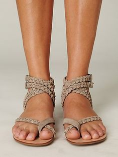 Super chill braided sandals. I like the nude, but they would probably look even better in black,