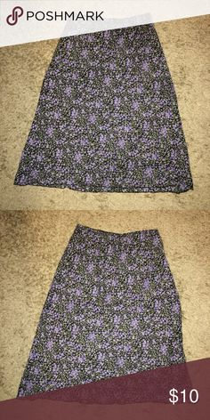 Fashion bug floral skirt Beautiful A line skirt with elastic waist. By fashion bug. No size tag but fits a medium Fashion Bug Skirts A-Line or Full