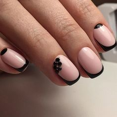 Beautiful nude summer nail art design. What better way to celebrate the fun of summer than having relaxing nails? You can then add thin French tips in black nail polish for added impact.