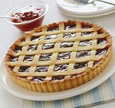 Συνταγή για πάστα φλόρα (πάστα φλώρα) με σπιτική ζύμη και μαρμελάδα φράουλα. Η καλύτερη συνταγή για σπιτική πάστα φλόρα (πάστα φλώρα) Greek Recipes, Pie Recipes, Cooking Recipes, Flora, Greek Sweets, Apple Pie, Baked Goods, Waffles, Cheesecake