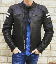 Pu Jacket, Jacket Style, Moto Wear, Stylish Men, Men Casual, Mens Outdoor Jackets, Leather Jacket Outfits, Weekly Outfits, Motorcycle Outfit