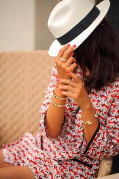 4fc3ca34a03 Bijoux – Tendance 2017 2018   Floral Print Tunic   White Panama Hat…
