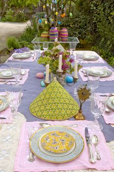Outdoor Easter Tablescape >> http://diy.roomzaar.com/rate-my-space/Holidays/Wisteria-Inspires-Easter-Brunch/detail.esi?oid=14843346=pinterest#