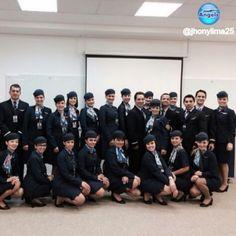 @jhonylima25  _________________ Família Azul / serviço de voo Internacional #blueangelsbr  #cabincrew  #azullinhasaereas  #beautiful  #happy #airport  #airplane