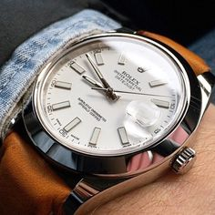 Rolex Datejust sporting a Hirsch Mariner, totally under rated strap but boy does it look good on the Rolex with a white dial