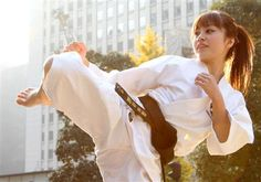 Kaori Kurita / Player of the Shorinji Kempo Female Martial Artists, Martial Arts Women, Aikido, Kempo Karate, Best Movie Lines, Martial Arts Workout, Hand To Hand Combat, Fashion Themes, Judo