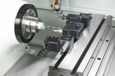 Overview of lathe components, types, operations and applications. Cnc Lathe Machine, Machine Tools, Mini Cnc Lathe, Cnc Controller, Lathe Tools, Tool Steel, Mechanical Engineering, Work Lights, Metal Working