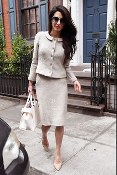 Did Amal Clooney Borrow This Outfit from Kate Middletons Closet? Did Amal Clooney Borrow This Outfit from Kate Middletons Closet? Lawyer Fashion, Office Fashion, Work Fashion, Curvy Fashion, Fashion Outfits, Stylish Outfits, Fall Fashion, Fashion Tips, Fashion Trends