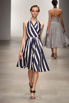 diagonal lines in fashion - photo #18