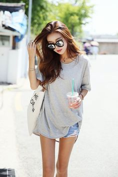 40 Simple And Sexy Korean Fashion Looks - Stylishwife Korean Fashion Trends, Korean Street Fashion, Korea Fashion, Asian Fashion, Look Fashion, Girl Fashion, Fashion Outfits, Fashion Black, Fashion Ideas