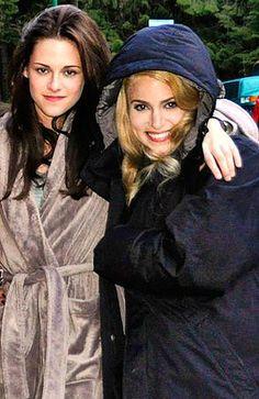 Kristen Stewart (Bella) and Nikki Reed (Rosalie) on set of New Moon