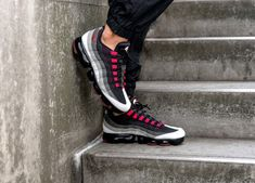 super popular f67f2 6dd30 Nike Air VaporMax 95  Neon BlackVolt Exclusive  Mens Trainers