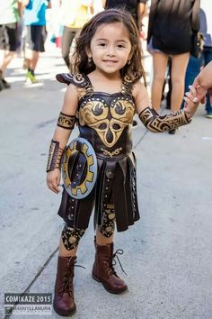 Omg! This takes me back. They're cosplaying as Xena.