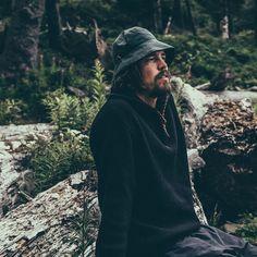 (1) Der SEAMAN SWEATER schwarz - JECKYBENG Merino Wool Sweater, Wool Sweaters, Black Sweaters, Pullover, Unisex, Hats For Men, Surf, Mountain, Stylish