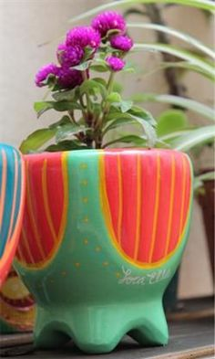 Tiendas Online: compras deco a un click de distancia | ESPACIO LIVING Painted Pots, Ceramic Planters, Terracotta Pots, Diy Arts And Crafts, Amazing Gardens, Kitsch, Garden Art, Indoor Plants, Cactus