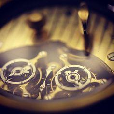 #4am#timetowork #watches #movement #horlogerie #double #escapment #jaquet #lachauxdefonds #swissmade