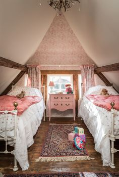 15 Trendy home bedroom cozy attic spaces Small Room Bedroom, Cozy Bedroom, Bedroom Decor, Bedroom Ideas, Small Rooms, Small Space, Kids Bedroom, Hippie Home Decor, Cottage Interiors