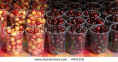 You can really see the fruit here. Farmers Market Display, Market Displays, Food Displays, Bing Cherries, Sustainable Food, Canning, Fruit, Google, Image