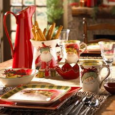 Love this holiday dinnerware from Vietri! My sister and brother-in-law got the set as a wedding gift. So great!