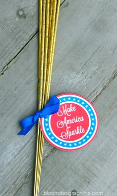 "Free printable ""MAKE AMERICA SPARKLE"" tags! So cute for July 4th!"