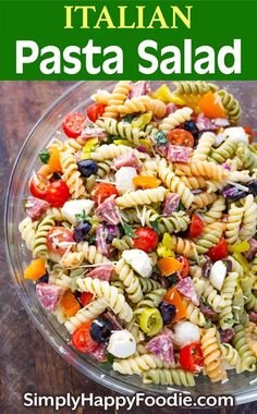Italian Pasta Salad Is Loaded With Yummy Ingredients. Everything From Salami, Cherry Tomatoes, And Olives, To Fresh Mozzarella And More This Pasta Salad Recipe Comes Together Quickly. This Is One Delicious Pasta Salad That Will Impress Your Guests Best Pasta Salad, Easy Pasta Salad Recipe, Pasta Salad Italian, Pasta Salad Ingredients, Simple Pasta Salad, Pasta Salad Recipes Cold, Tri Color Pasta Salad, Rotini Pasta Recipes, Homemade Pasta Salad