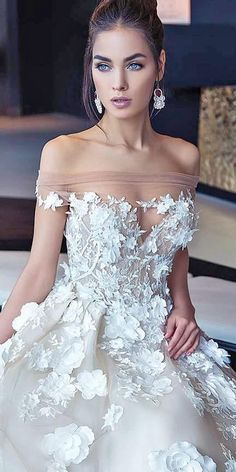 Wonderful Perfect Wedding Dress For The Bride Ideas. Ineffable Perfect Wedding Dress For The Bride Ideas. Elegant Wedding Gowns, Perfect Wedding Dress, White Wedding Dresses, Wedding Party Dresses, Bridal Dresses, Floral Wedding, Party Wedding, 2017 Wedding, Gown Wedding