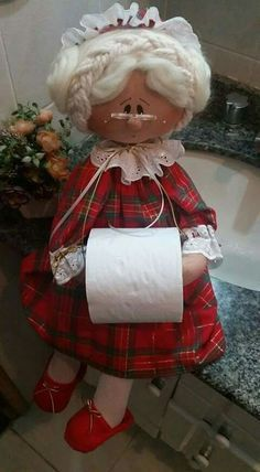 Funny dolls-holders for toilet paper. Pattern and master class! Doll Crafts, Sewing Crafts, Sewing Projects, Projects To Try, Holiday Crafts, Christmas Crafts, Christmas Decorations, Christmas Kitchen, Bathroom Crafts