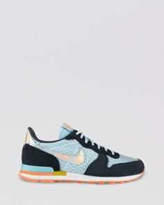 Nike Lace Up Sneakers