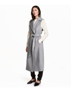 long-sleeveless-coat by h&m. #fashiontrend #dresses #outfit #gorgeous #shoptagr