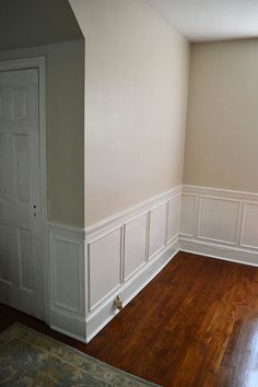Benjamin Moore Edgecomb Gray - living room and hall. Greige Paint Colors, Neutral Paint Colors, Interior Paint Colors, Paint Colors For Home, Grey Paint, Living Room Grey, Living Room Decor, Dining Room, Room Colors