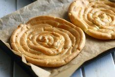 tuulihattukakkupohja kakkuun Peanut Butter, Pie, Desserts, Food, Torte, Postres, Tart, Fruit Cakes, Deserts