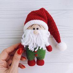 Amigurumi Free Patterns And Tutorials - Her Crochet Doll Patterns Free, Crochet Animal Patterns, Stuffed Animal Patterns, Crochet Animals, Crochet Santa, Crochet Dolls, Free Crochet, Amigurumi Doll Pattern, Crochet Christmas Decorations