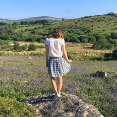 So up tomorrow on my #sewingblog is my @tillybuttons #clemenceskirt and these gorgeous bluebells!  Today though I am cutting out and starting to sew not one, but two @grainlinestudio #archershirt!  Let the sewing commence!  #dressmaking #handmadefashion #sewingblogger #sewcialists #slowfashion #dresshandmade #sewingsaturdayssewingblogger,dresshandmade,archershirt,sewingsaturdays,sewcialists,sewingblog,clemenceskirt,dressmaking,slowfashion,handmadefashionnaomisewsnews