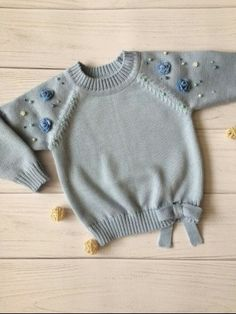 Best 11 How to make a Knitted Kimono Baby Jacket – Free knitting Pattern & tutorial – Sa… – – SkillOfKing. Crochet Baby Clothes, Cute Baby Clothes, Knitting For Kids, Baby Knitting Patterns, Free Knitting, Baby Sweaters, Girls Sweaters, Toddler Sweater, Baby Pullover