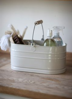 Crafted from powder coated still and with a convenient hinged metal handle, complete with a stylishwooden grip, this utility bucket will fit comfortably into your hands, makingcarrying between rooms, or to and from the garden both effortless andtrouble-free.