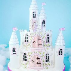 My wafer paper castle . Dead easy to make. This project is available in the November 2017 issue of Cake Craft & Decoration Magazine. The templates can also be downloaded from my website www.caroldeaconcakes.com
